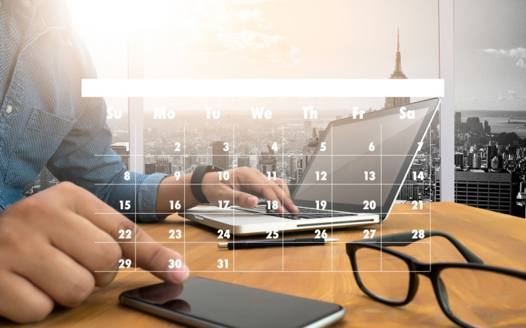 ホームページ制作にかかる期間は依頼から完成までどれくらい?規模別にわかりやすく解説!